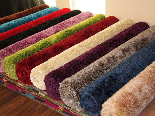 Shaggy carpets made from polyester yarn
